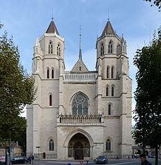 Dijon_Cathédrale_Saint-Bénigne_52